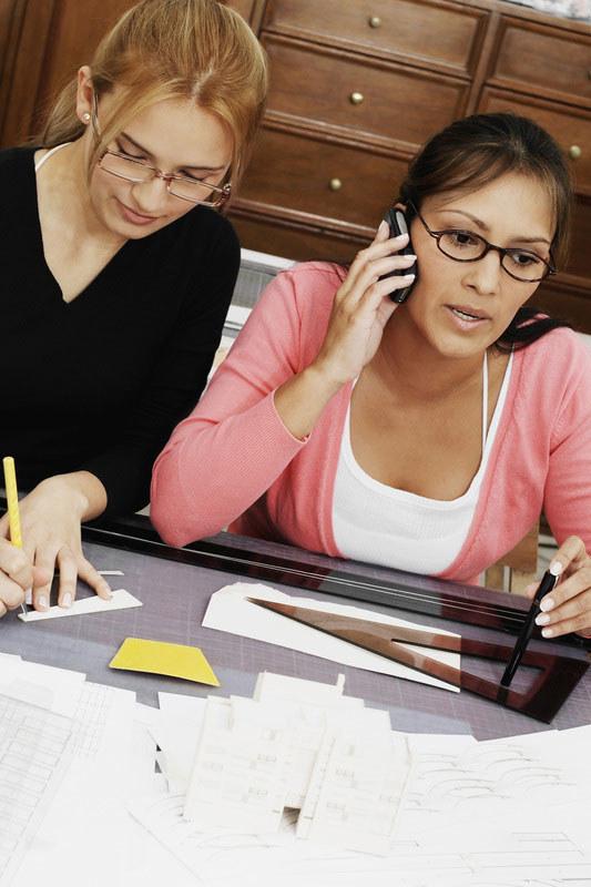 Prowadzenie firmy z przyjaciółką może okazać się strzałem w dziesiątkę, pod warunkiem, że jasno określicie zasady współpracy /© Panthermedia