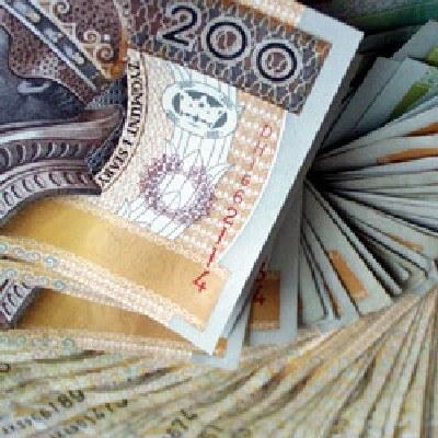 Przeciętne wynagrodzenie brutto w grudniu 2009 roku wyniosło 3 tys. 652,40 zł /INTERIA.PL
