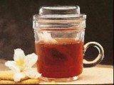 Przeciętny Brytyjczyk pije ok. 1000 filiżanek herbaty rocznie /RMF