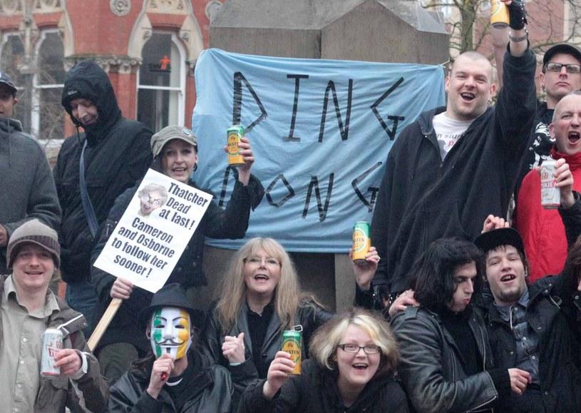 Przeciwnicy Thatcher świętują śmierć b. premier /AFP