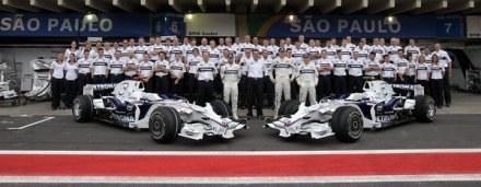 Przed sezonem w ekipie BMW-Sauber były znakomite nastroje. /AFP