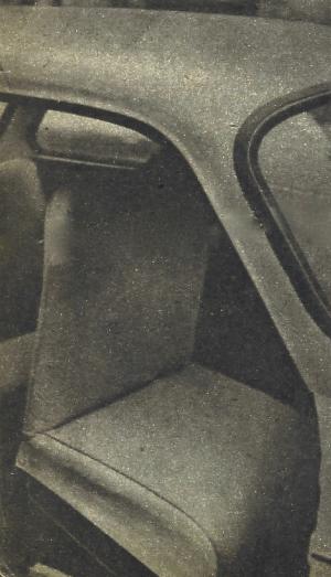 Przednie fotele samochodu Syrena odchylają się w całości do przodu oraz pozwalają się bardzo łatwo wyjmować. /Motor