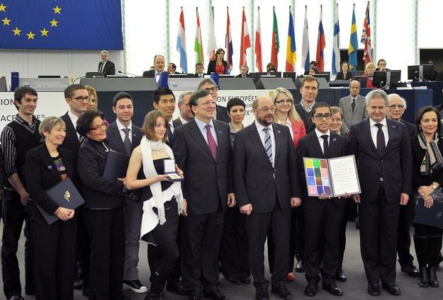 Przedstawiciele UE, m.in. Jose Manuel Barroso i Martin Schulz, odbierają nagrodę Nobla /AFP