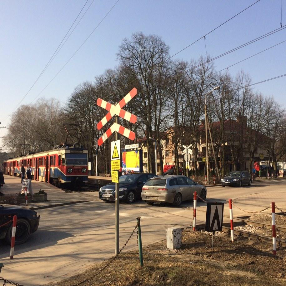 Przejazd kolejowy w Podkowie Leśnej /Grzegorz Kwolek /RMF FM