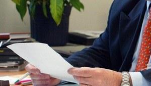 Przejęcie zakładu pracy - jak rozwiązać umowę