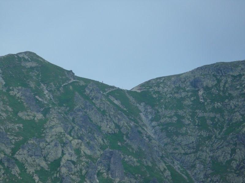 Przełęcz Krzyżne - widok z Doliny Pięciu Stawów (warunki letnie)  /Jan Latała /RMF FM