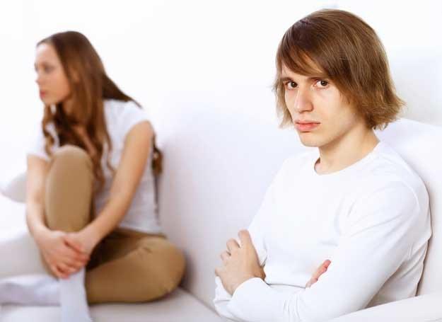 Przemoc domowa ma różne oblicza /123RF/PICSEL