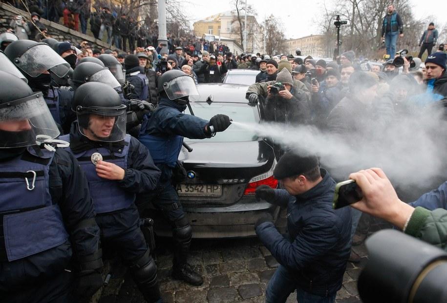 Przepychanki podczas zatrzymania Micheila Saakaszwilego /STEPAN FRANKO /PAP/EPA