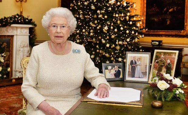 """Przesłanie nadziei w bożonarodzeniowym orędziu Elżbiety II: """"A światłość w ciemności świeci"""""""