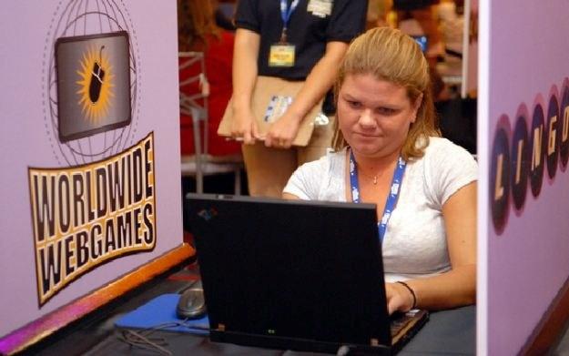 Przeważającą (72-82%) część użytkowników gier prostych stanowią przedstawicielki płci pięknej /AFP