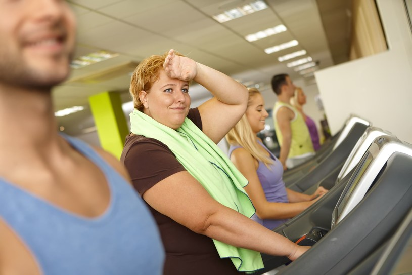 Przeważającym mitem na temat osób z nadwagą i otyłością jest to, że gdyby po prostu ciężko pracowali, byliby szczupli /123RF/PICSEL