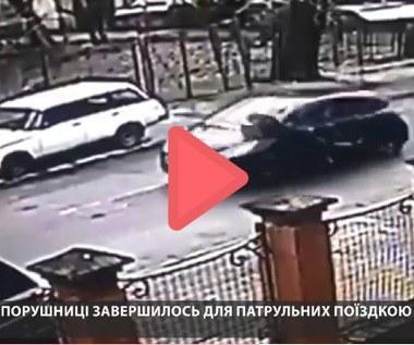 """""""Przewiozła"""" przez kilkaset metrów policjanta na masce auta. Szuka jej policja"""