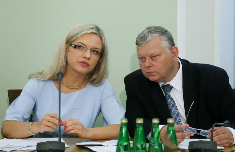 Przewodnicząca komisji, posłanka PiS Małgorzata Wassermann i poseł PiS Marek Suski przed rozpoczęciem pierwszego merytorycznego posiedzenia sejmowej komisji śledczej ds. Amber Gold /Paweł Supernak /PAP