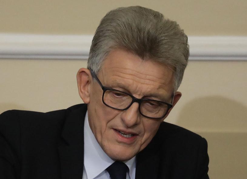 Przewodniczący komisji, poseł PiS Stanisław Piotrowicz /Tomasz Gzell /PAP