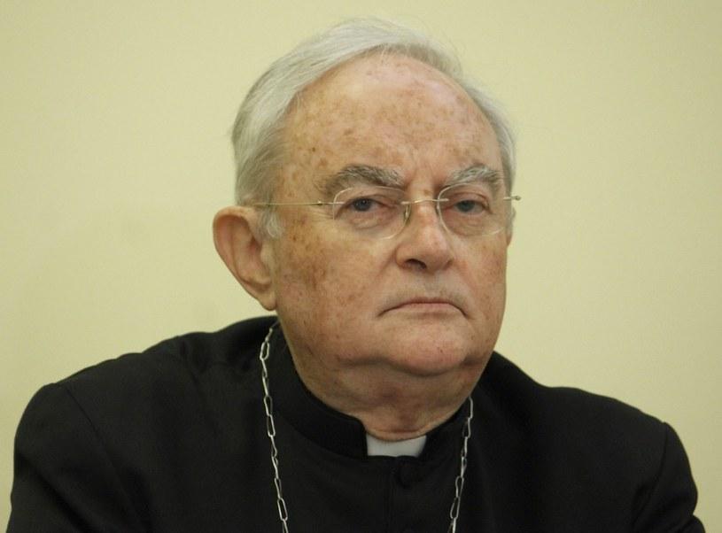 Przewodniczący zespołu ekspertów KEP Arcybiskup Henryk Hoser /Krystian Dobuszyński /Reporter