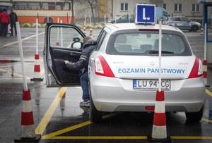 Przez drobną zmianę, oblewają egzamin na prawo jazdy