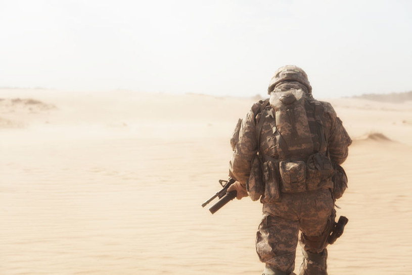Przezczaszkowa stymulacja mózgu poprawi skupienie amerykańskich żołnierzy /123RF/PICSEL