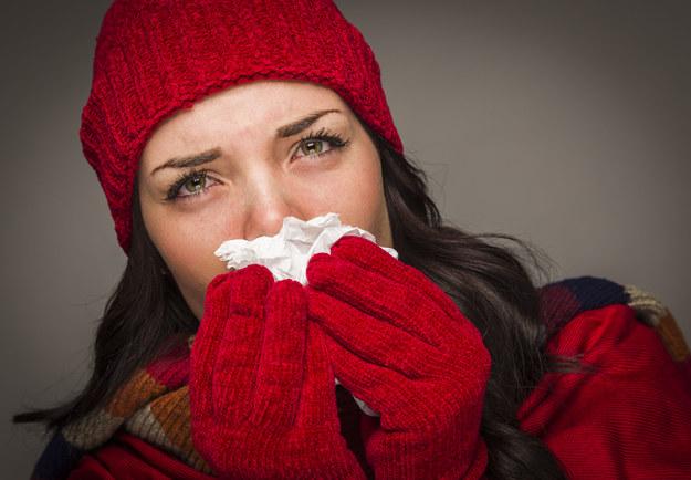 Przeziębienie trwa około tygodnia /123/RF PICSEL