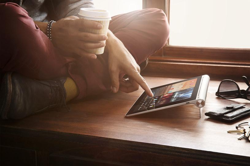 Przy pomocy Lenovo Yoga możesz robić w internecie co chcesz i kiedy chcesz /materiały prasowe