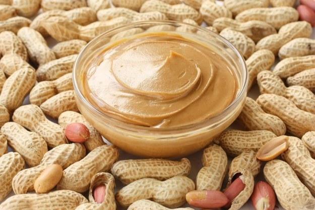 Przy użyciu masła orzechowego można wykryć chorobę Alzheimera /123RF/PICSEL