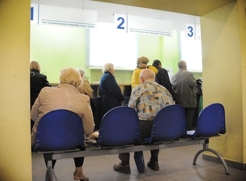 Przychodnia nie nadążają z badaniem pacjentów /Mateusz Jagielski /Agencja SE/East News