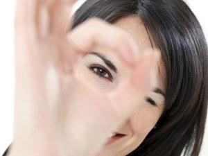 Przyczyną zapalenia spojówek mogą być źle dobrane szkła kontaktowe  /© Panthermedia