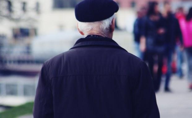 Przygnębiające dane nt. samotności. Sprawą zajmie się pełnomocnik rządu