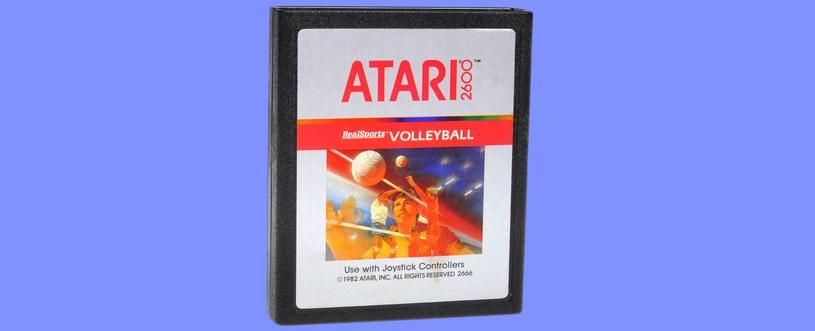 Przykłądowy cartridge z grą przeznaczoną dla systemu Atari 2600 /123RF/PICSEL