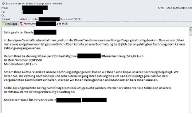 Przykładowy e-mail od oszustów /materiały prasowe