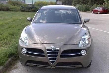Przyłapany prototyp SUV-a Alfa Romeo /