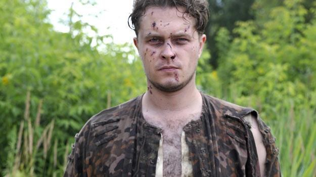 "Przymiarka do ""Lalusia""? Tomasz Schuchardt na planie filmu ""Miasto 44"". /AKPA"