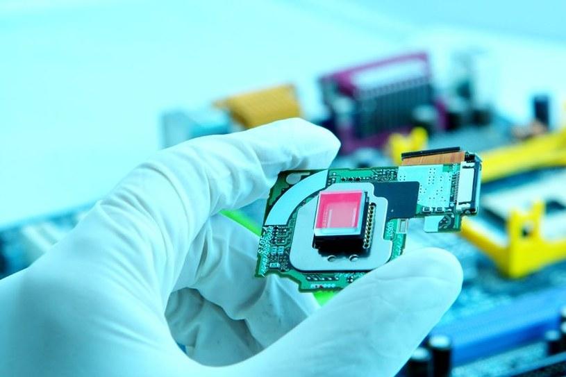 Przyszłość elektroniki leży w spintronice /123RF/PICSEL