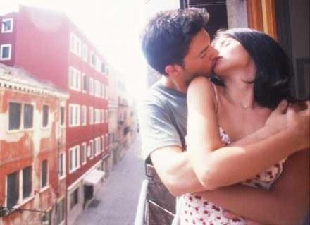 Psychologowie twierdzą, że miłosne klasyki są kopalnią dysfunkcyjnych i niedojrzałych relacji /INTERIA.PL