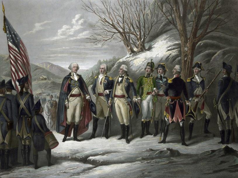 Pułaski (w zielonym mundurze) obok Waszyngtona, Kościuszki, Johanna De Kalba, barona von Steubena, Lafayette'a na obrazie przedstawiającym bohaterów amerykańskiej wojny o niepodległość /East News