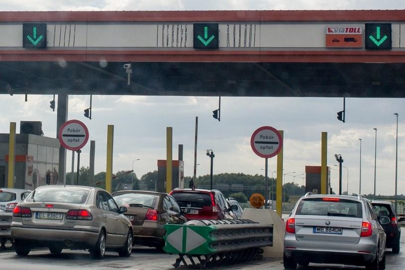 Punkt poboru opłat na autostradzie A2 /Andrzej Iwańczuk /Reporter