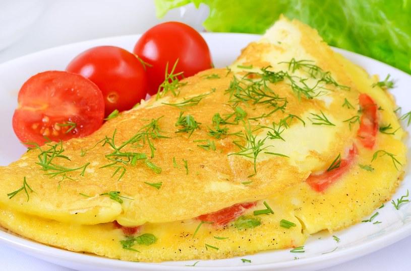 Puszysty omlet podbije serca wszystkich domowników /123RF/PICSEL