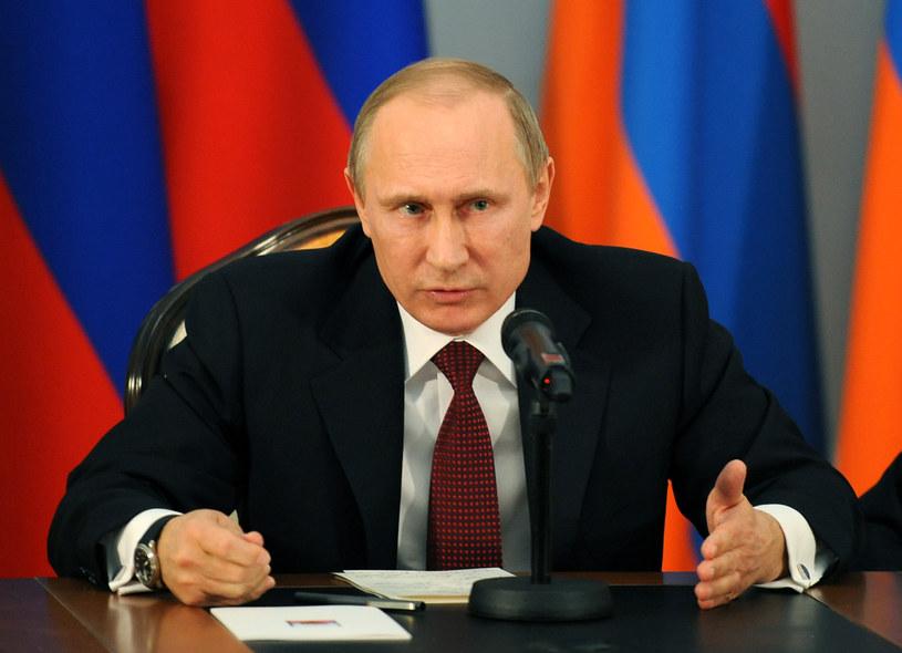 Putin apeluje do obrońców praw człowieka o współpracę z rządem /AFP