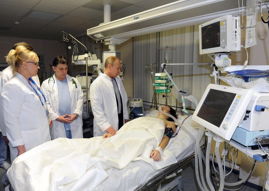 Putin odwiedza w szpitalu Marię Komissarową /MIKHAIL KLIMENTIEV /PAP/EPA