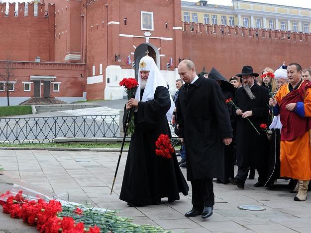 Putin złożył kwiaty przed pomnikiem kupca Kuźmy Minina i księcia Dymitra Pożarskiego /AFP