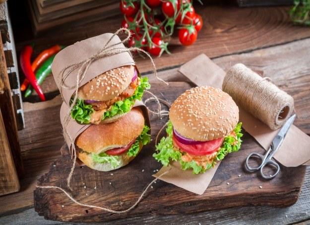 Pyszne, domowe burgery zapakuj do szkoły i pracy /123RF/PICSEL