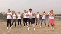 Qczaj zaproponował ćwiczenia, które można wykonać na plaży