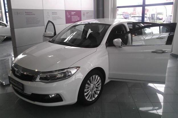 Qoros 3 Sedan /