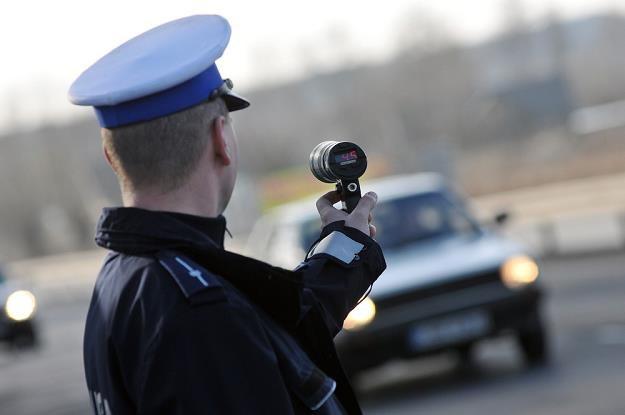 Radar Iskra ma szeroką wiązkę, przez co nie wiadomo, który pojazd jest mierzony / Fot: Paweł Skraba /Reporter