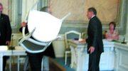 Radny chciał cisnąć krzesłem w przewodniczącego