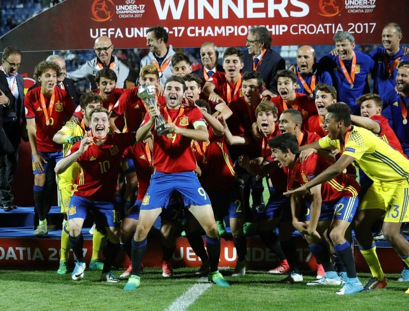 Radość hiszpańskich piłkarzy /PAP/EPA