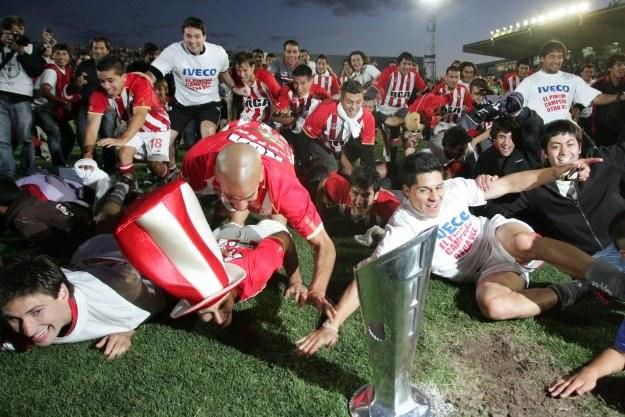 Radość piłkarzy Estudiantes La Plata /AFP