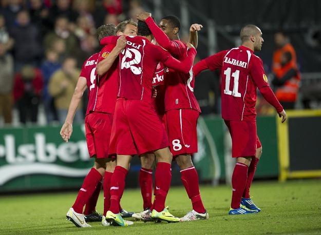 Radość piłkarzy FC Twente podczas meczu z Odense /AFP