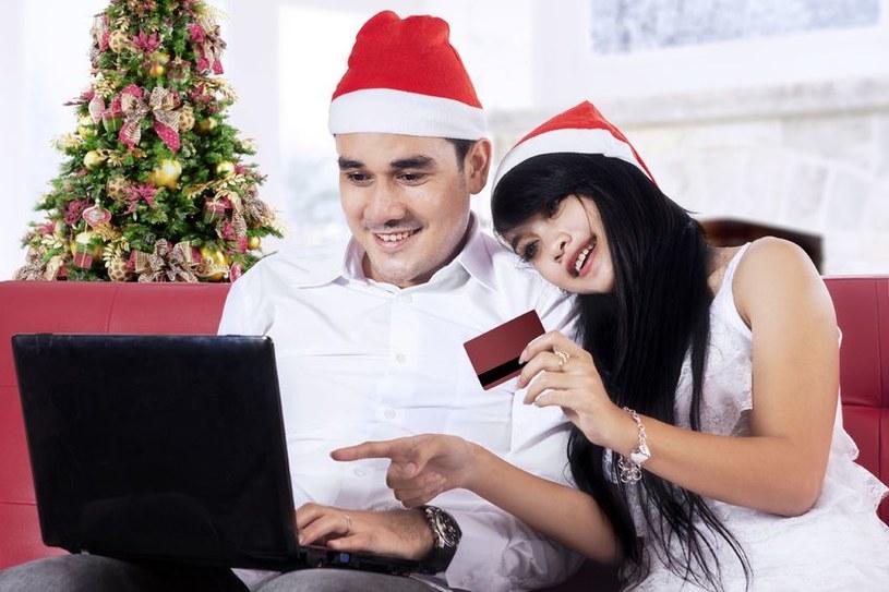 Radość świątecznych zakupów może zostać łatwo zepsuta przez internetowych oszustów. /©123RF/PICSEL