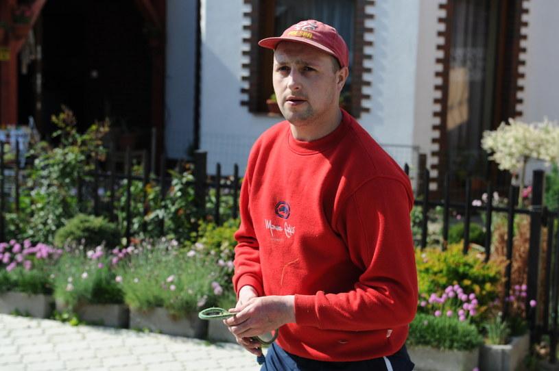 Radosław Agatowski w domu w miejscowości Sianożęty /Marcin Bielecki /PAP