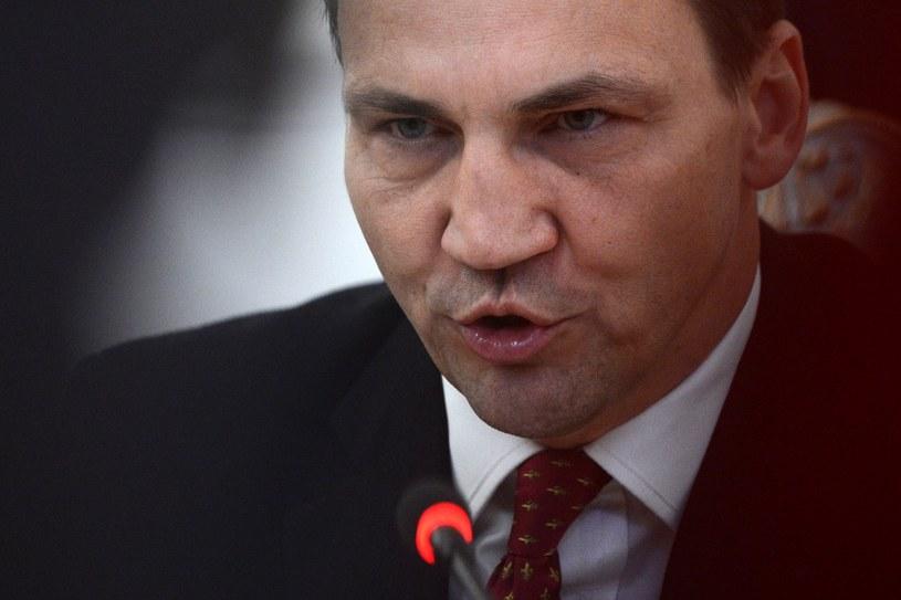 """Radosław Sikorski uważa, że spekulacje na temat Tuska to efekt """"rosnącej pozycji"""" Polski /AFP"""